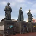 高知駅前・三志士像
